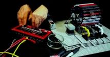 Італієць надихнувся ідеями Леонардо да Вінчі і зібрав драм-машину з Lego