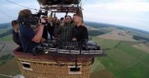 Вечірка на повітряній кулі: литовці Kodas влаштували паті в небі